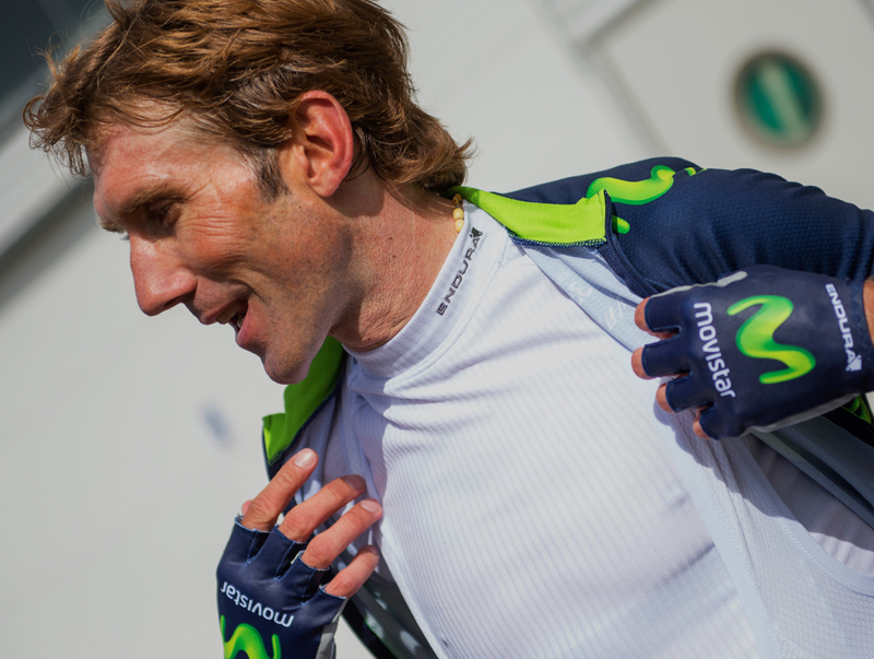 transrib-baselayer-worn-by-movistar-team